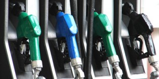 Oil glut: US running out of room to store crude