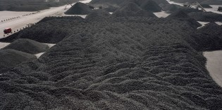 China coal production falls as country seeks carbon emissions cut, clean air