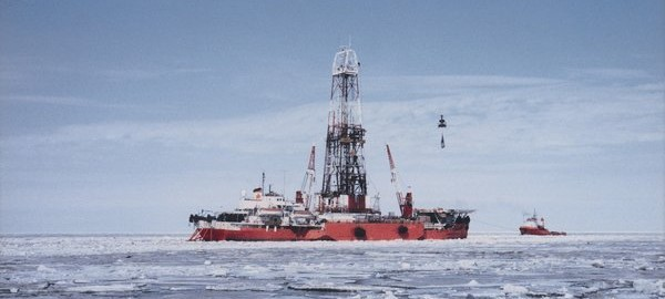 Shell Arctic drilling stops due to high winds, seas