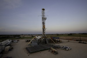 Shale oil production in Bakken, Eagle Ford little changed in Dec.