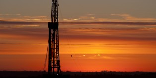 Baker Hughes US rig count down by 12, Canadian count down 31
