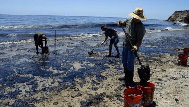Canadian scientists' develop revolutionary oil spill device