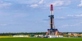 US natural gas speculators switch from net long to net short -CFTC