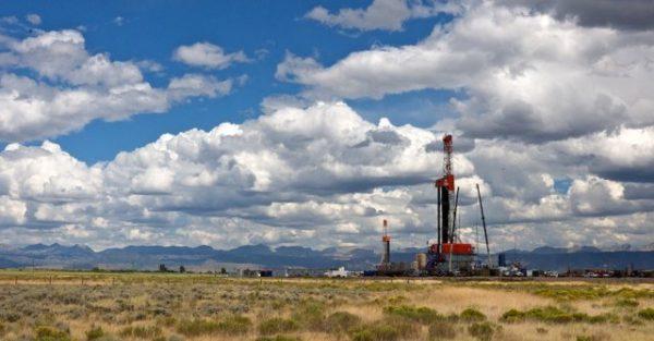 Halliburton signals better demand for fracking equipment