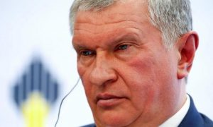 Rosneft Chairman: We'll follow government orders on output freeze