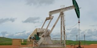 US crude output falls 167,000 b/d to 8.58 million bpd in Sept
