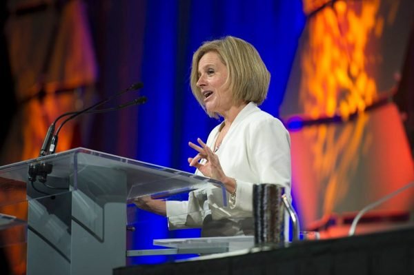Premier Notley, energy minister head to Texas to promote energy trade