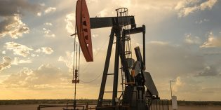 Oil prices rise ahead of US crude stocks data