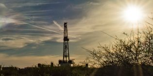 US shale producers cutting budgets as oil prices lag