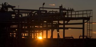 Oil prices ease as traders, analysts on edge prior to OPEC meeting