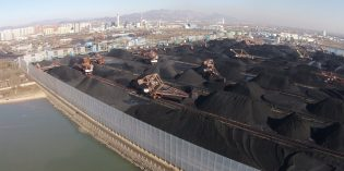Chinese coal imports fall in Oct. on air anti-pollution campaign