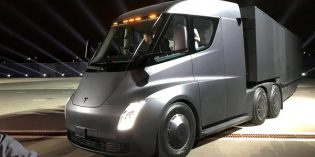DHL orders 10 Tesla Semi electric trucks for use on shorter routes