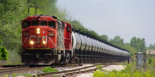 CNR supports CanaPux pilot project to ship solid bitumen by rail