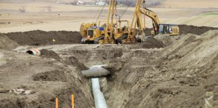 Dakota Access Pipeline oil spill response plan ordered by US judge