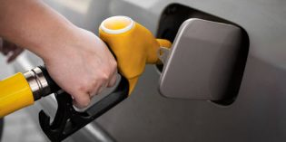 Wholesale California gasoline prices plunge, consumers still pay up